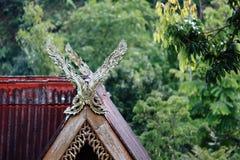 结构艺术技巧设计山墙lanna北泰国泰国唯一贵重物品 免版税库存照片
