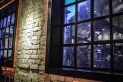 结构详细资料内部现代斯堪的纳维亚样式视窗 免版税库存照片