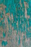 构造剥在一个木板的绿色油漆总体上构筑 免版税库存图片