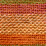 构造密集的织法布料由厚实的毛线,缎,白棉布,细麻花布,府绸制成 库存图片