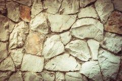 构造老岩石墙壁由任意石头制成 图库摄影
