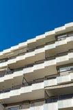 结构建立当代住宅西班牙样式的巴塞罗那 免版税库存照片