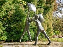 枕头战雕塑 免版税图库摄影