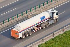 林德在高速公路的液化气运输,北京,中国 库存照片