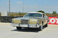 林肯大陆小轿车标记v 库存图片