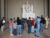 林肯纪念品游人 免版税库存图片