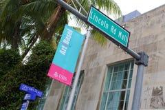 林肯路迈阿密海滩艺术巴塞尔标志 免版税库存图片