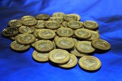 巴林铸造货币100 fils 库存照片