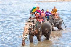 素林,泰国- 5月16 :传统游行向作为的河 免版税图库摄影