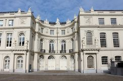 洛林(比利时皇家图书馆)的查尔斯宫殿  免版税库存图片
