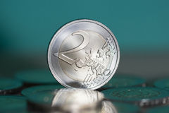 2枚欧洲硬币背景 库存照片