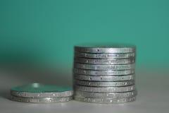 2枚欧洲硬币背景 免版税库存照片