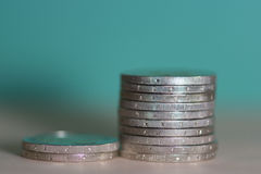 2枚欧洲硬币背景 免版税库存图片