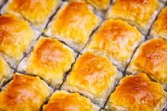 果仁蜜酥饼背景 犹太,土耳其,阿拉伯传统全国点心 宏指令 选择聚焦 东方甜点,东部甜点 库存图片