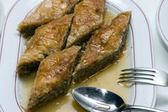 果仁蜜酥饼蛋糕 库存照片