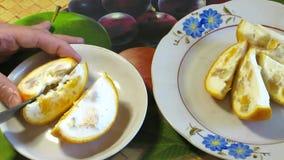 果冻用在橙色外壳的果子 影视素材