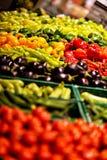 水果和蔬菜在城市市场,超级市场,杂货店上 免版税库存图片