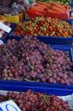 水果和蔬菜摊位 库存图片