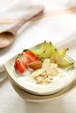 果子健康星形草莓酸奶 免版税库存照片