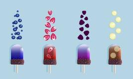 果子冰淇淋和莓果 皇族释放例证