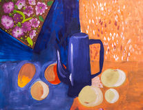 果子和水罐绘与刷子 免版税库存照片