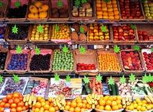 果子和veg摊位,巴黎 免版税库存图片