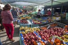 果子和Veg 摊位在马耳他的Marsaxlokk市场上 库存照片