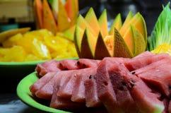 果子品种有黑背景 免版税图库摄影