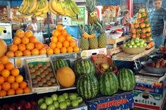 果子在耶烈万市场,亚美尼亚义卖市场  库存照片