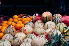果子在街道食物市场上在梅赫伦 库存照片