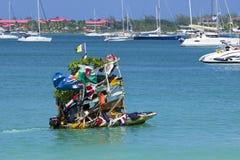 果子小船在罗德尼海湾在圣卢西亚,加勒比 免版税库存图片