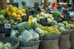 果子巨大选择被看见在一个市场上在购物中心曼谷,泰国 图库摄影