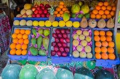 果子显示在商店 免版税图库摄影