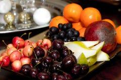 果子板材,樱桃,苹果计算机,梨 图库摄影