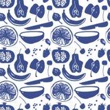 果子现出轮廓在蓝色颜色的样式 免版税库存照片