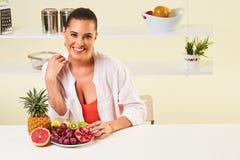 果子葡萄吃快餐健康健康饮食午餐减重 免版税库存图片