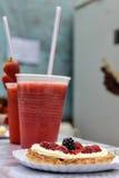 果子蛋糕和饮料,埃尔博尔松,阿根廷 免版税图库摄影
