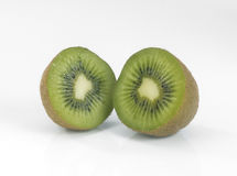 果子被对分的猕猴桃 免版税库存图片