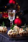 果子馅饼用俄国沙拉,欢乐开胃菜 免版税库存照片