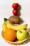 果子,香蕉,桔子,绿色苹果计算机,椰子 免版税库存图片