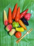 结果实泰国点心用果冻涂的被仿效的大豆饺子 免版税库存照片