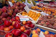 水果摊 库存照片