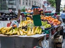 水果摊,更低的曼哈顿,纽约 免版税库存照片