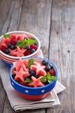 水果沙拉用西瓜和蓝莓 免版税库存照片