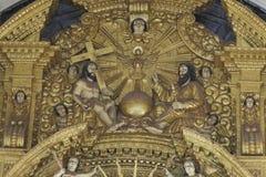 果阿旧城,印度- 2012年1月06日:大教堂内部Bom耶稣(Borea Jezuchi Bajilika)在果阿旧城,是果阿的首都 免版税图库摄影