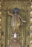 果阿旧城,印度- 2012年1月06日:大教堂内部Bom耶稣(Borea Jezuchi Bajilika)在果阿旧城,是果阿的首都 库存图片