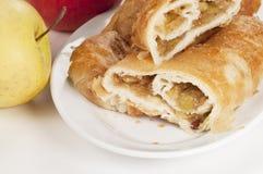 果馅奶酪卷蛋糕用苹果 图库摄影