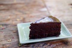 果仁巧克力蛋糕片断  库存图片