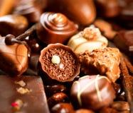 果仁糖巧克力甜点 免版税库存图片