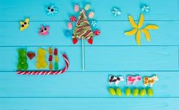 果冻糖果的滑稽的图片以熊的形式在爱是 免版税库存图片